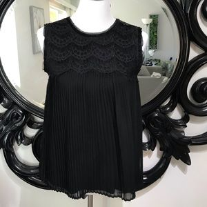 Loft size S black lace and sheer accordion top